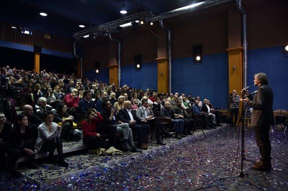 Emir Kusturica govori posle premijere fiilma o Muhiki na Kustendorfu