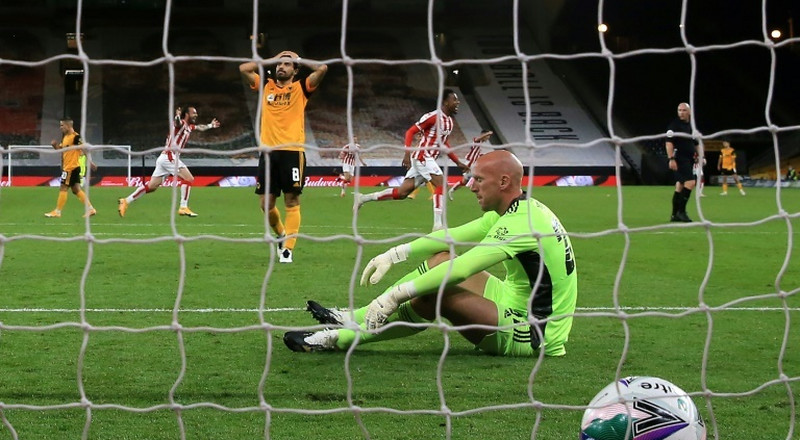 Wolves stunned by second-tier Stoke in League Cup