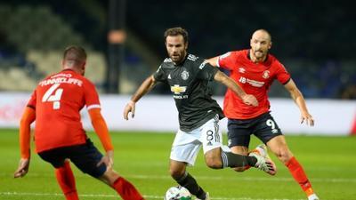 Man Utd reach League Cup last 16 as coronavirus causes chaos