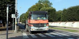 Ciężarówki niszczą Oliwę, a kamery nie ma