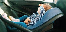 Dziecko zamknięte w samochodzie. Poradnik krok po kroku co zrobić