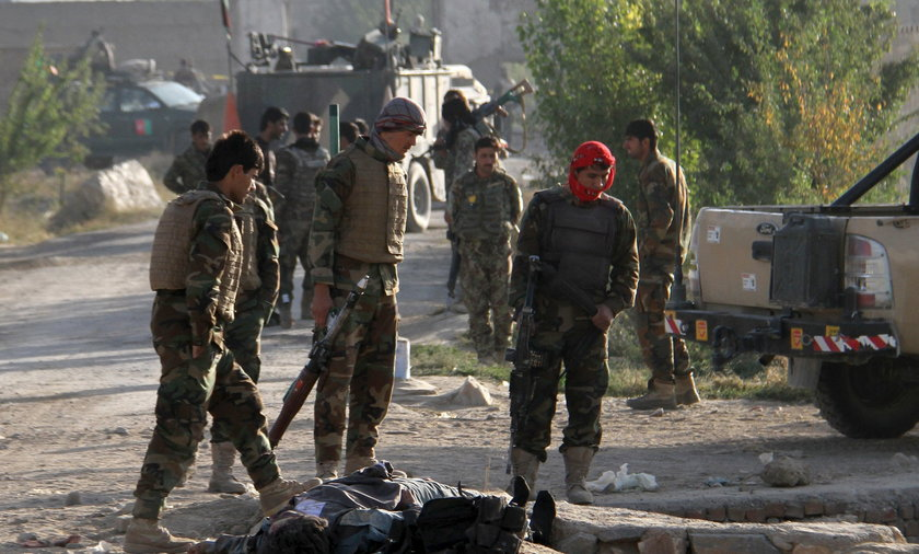 Skuteczny szturm na więzienie, talibowie wypuszczeni!