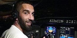 Piłkarz za sterami samolotu!