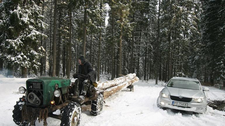 TOPR i Skoda Superb: zimowe klimaty w tatrach