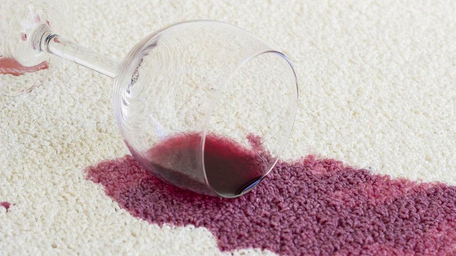 Plama z wina