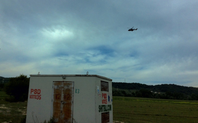Helikopteri prate kolonu premijera Srbije prilikom posete Tirani