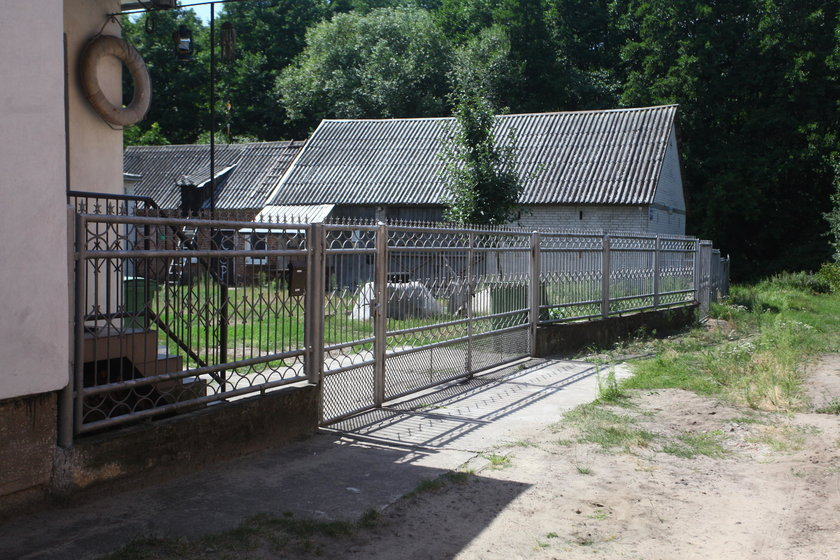Dramat w Białobrzegach, oskórował i zjadł psa