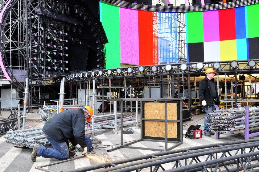 Budowa sceny na Sylwestra Polsatu