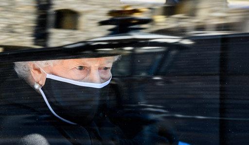 Straszne. W dniu pogrzebu Filipa Elżbieta II doświadczyła kolejnego bolesnego ciosu