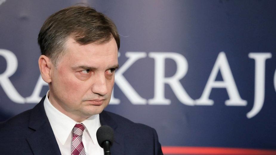 Minister sprawiedliwości Zbigniew Ziobro podczas konferencji prasowej w siedzibie Prokuratury Krajowej