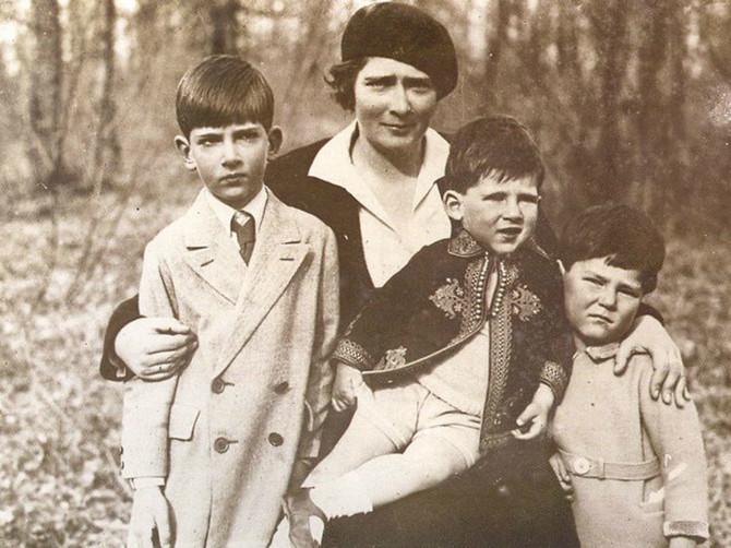 O njenom venčanju su pisali Britanci, a danas je inspiracija Karađorevićima. Ovo o kraljici Mariji niste znali