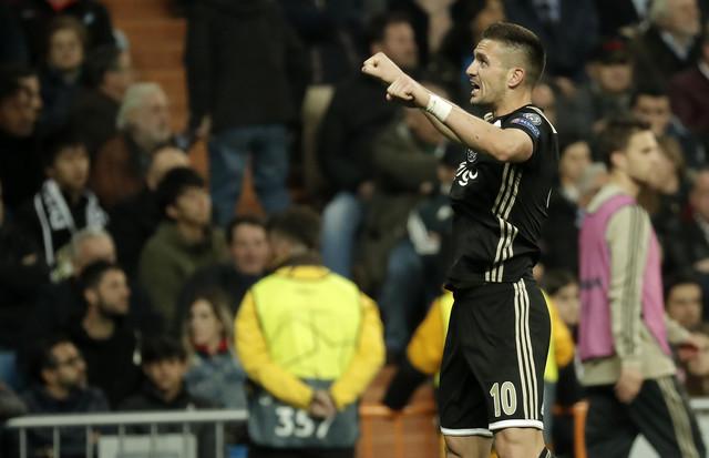 Dušan Tadić slavi pogodak protiv Real Madrida