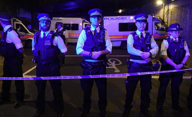 Policja metropolitalna zapewniła także o wzmocnieniu obecności funkcjonariuszy na ulicach brytyjskiej stolicy w celu uspokojenia zaniepokojonych mieszkańców, w szczególności społeczności muzułmańskiej obchodzącej ramadan.