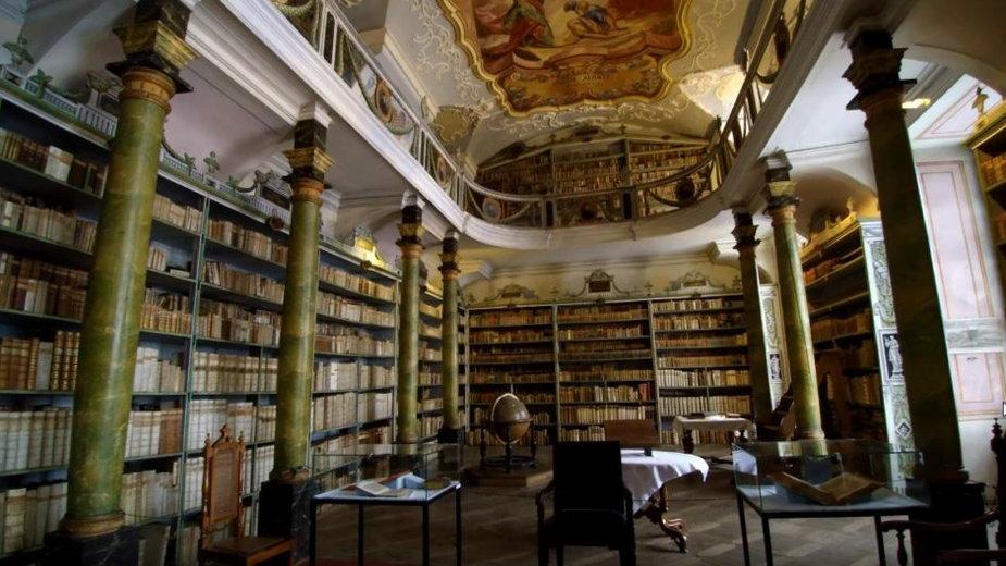 Biblioteka w Hogwarcie? Czy tutaj studiował czeski Harry? Nie! To wyjątkowe miejsce stworzone przez mnichów!