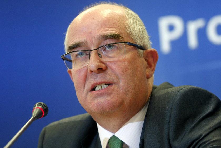 Prezydent krytykuje prokuraturę za Smoleńsk