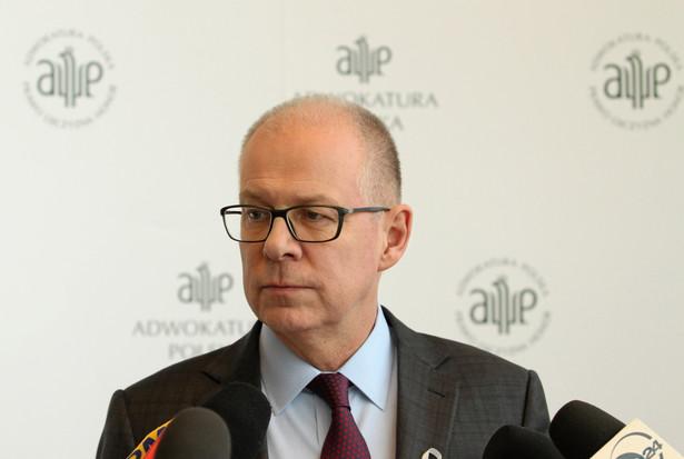 NRA podczas tego posiedzenia ma także omówić przyjęte przez Sejm w środę nowelizacje przepisów o Krajowej Radzie Sądownictwa oraz Prawa o ustroju sądów powszechnych. Adwokatura - jak zapowiedział mec. Trela - ma we wtorek zająć w tych wszystkich sprawach stanowisko.