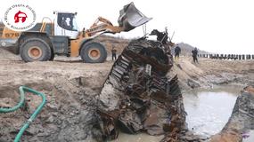 W Kołobrzegu wydobyto wrak niemieckiej łodzi motorowej