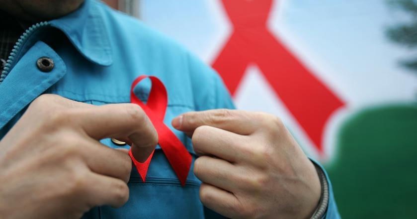 Dotychczasowe narzędzia walki z wirusem HIV i chorobą AIDS nie ograniczają w wystarczający sposób tempa rozprzestrzeniania się zakażeń