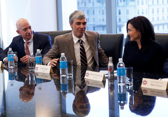 Džef Bezos, Lari Pejdž i direktorka Fejsbuka Šeril Sandberg