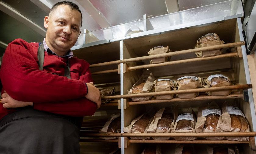 Pan Krzysztof jest prawdziwym piekarzem z krwi i kości!