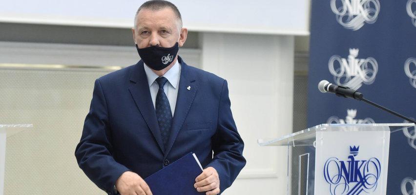 Banaś idzie na wojnę z Kaczyńskim. Rzeczniczka PiS zabiera głos