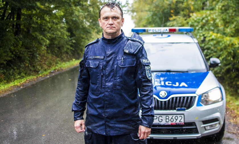 Aspirant sztabowy Paweł Klimek właśnie dowiedział się, że w pożarze, z którym walczyli jego koledzy i strażacy, zginęła prawie cała rodzina