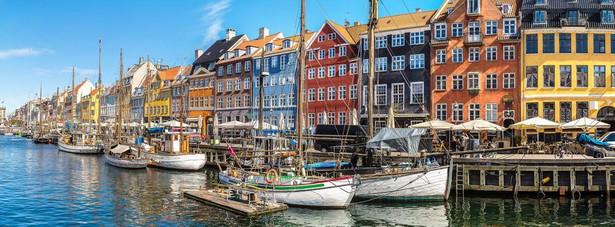 W przeddzień wyborów Lars Løkke Rasmussen zaproponował socjaldemokratom wspólną koalicję rządową. Frederiksen odrzuciła tę propozycję i ogłosiła, że stworzy rząd mniejszościowy opierający się na głosach lewego skrzydła Folketingu.