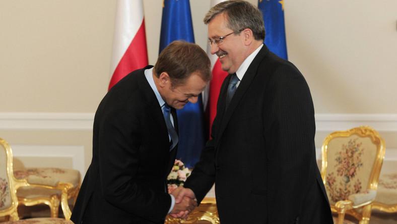 Prezydent Bronisław Komorowski ma lepsze notowania niż premier Donald Tusk
