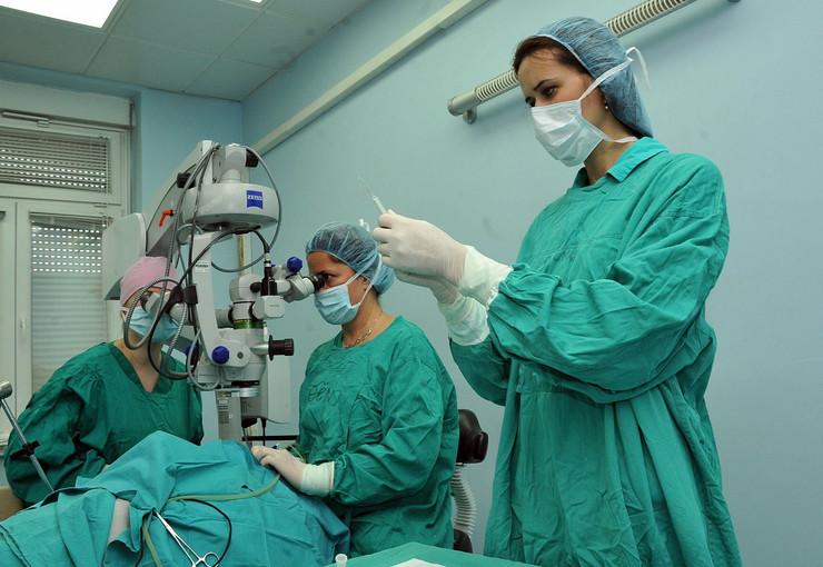 346236_nis-operacija-katarakte181212ras-foto-kostadin-kamenov