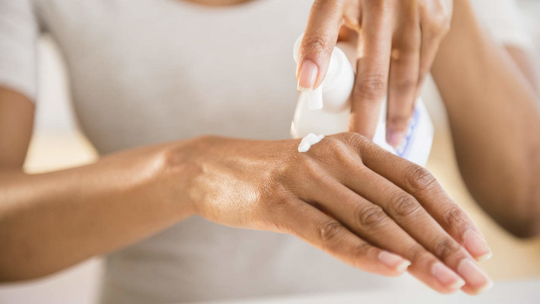 Natural remedies for dry hands (Healthy Magazine)