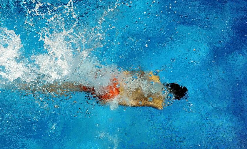 Tragiczny finał kąpieli w basenie. Filtr wessał 14-latka