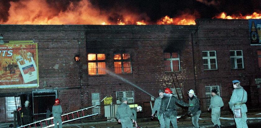 Tragiczne sceny w Gdańsku! 7 ofiar śmiertelnych, 300 poparzonych. Minie 25 lat od pożaru hali Stoczni Gdańskiej