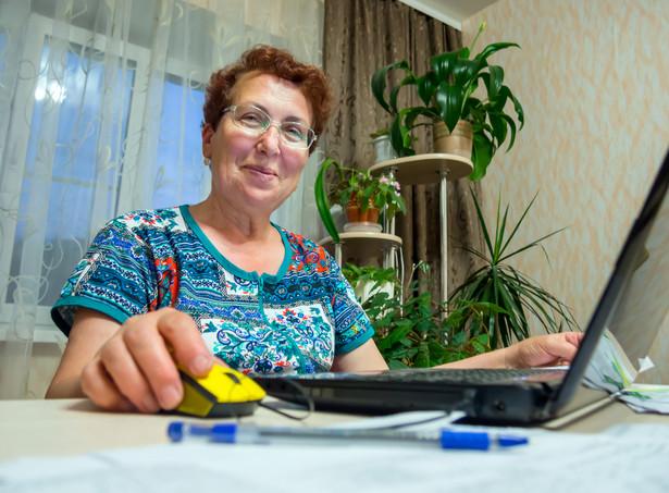 Polski rynek pracy boryka się z problemem starzejącego się społeczeństwa.