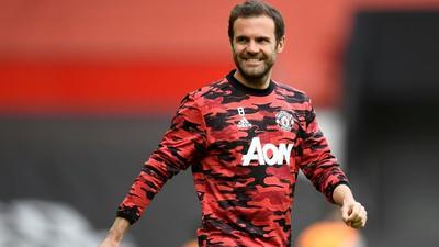 Juan Mata agrees new one-year deal at Man Utd