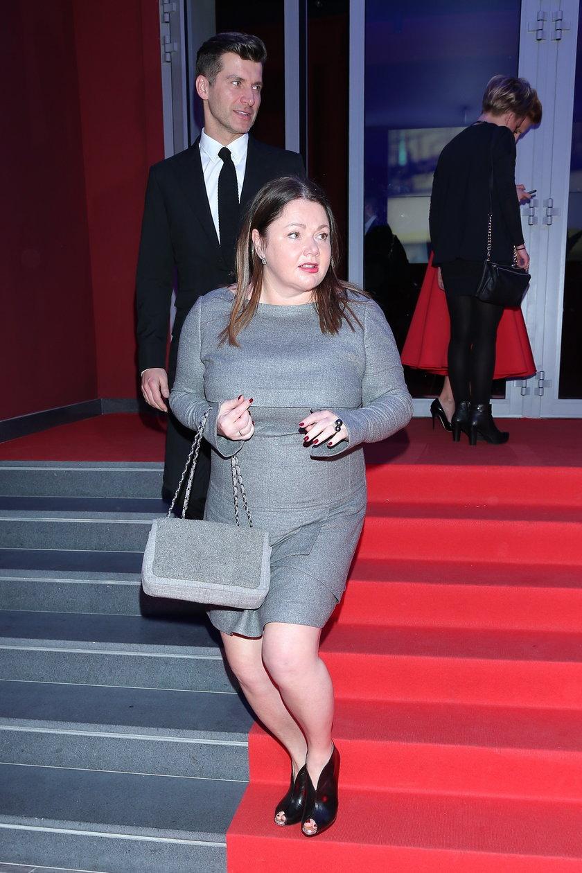 Katarzyna Niezgoda z luksusową torebką