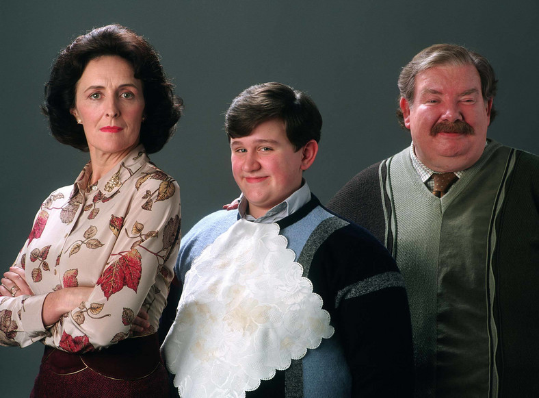 Fiona Shaw, Harry Melling i Richard Griffiths