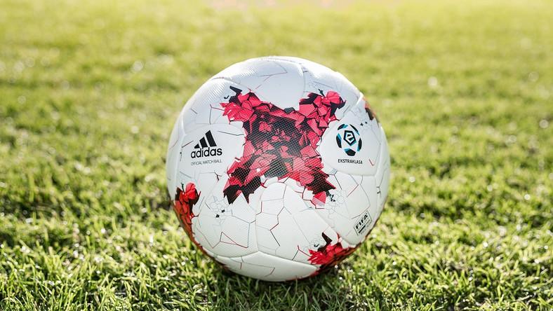 6281cc93dd594 Krasava - nowa oficjalna piłka LOTTO Ekstraklasy - Piłka nożna