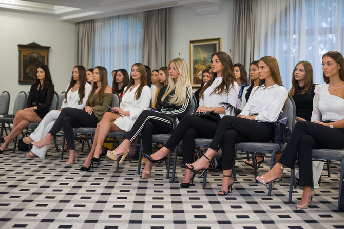 Takmičarke izbor za Mis Srbije vredno se spremaju za veliki dan