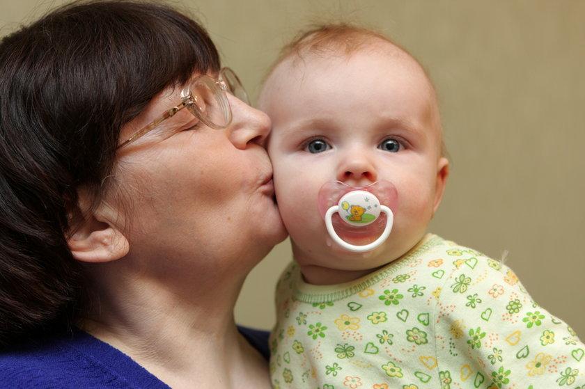 Wirus opryszczki jest bardzo niebezpieczny dla noworodków.
