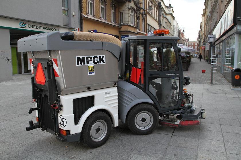 Katowice. Nowe urządzenia do sprzątania ulic