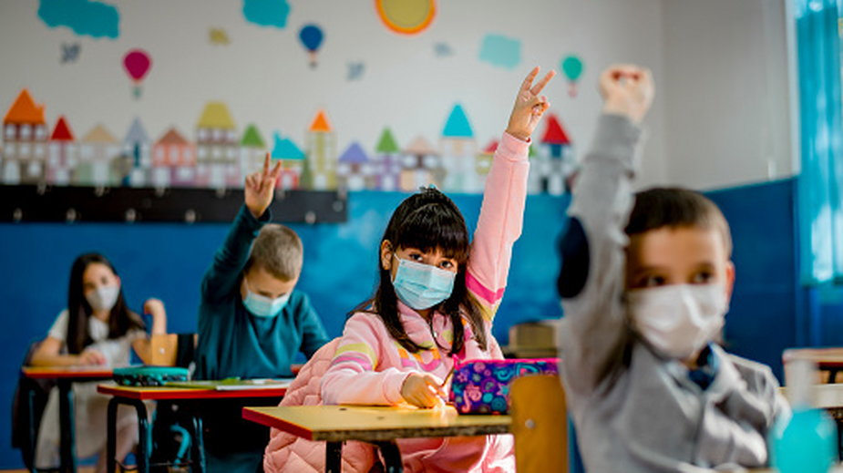 """Zaszczepione dzieci dostaną """"bonus"""" od rządu"""