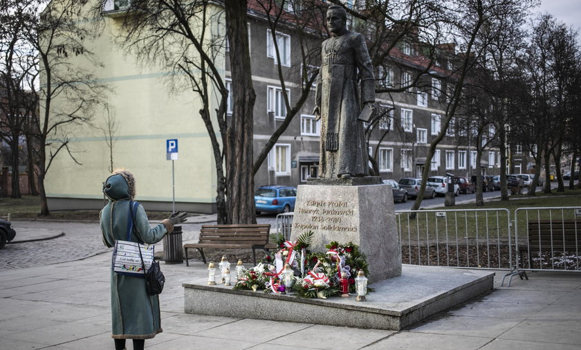 Co dalej z pomnikiem Jankowskiego? Nowa prezydent zabrała głos