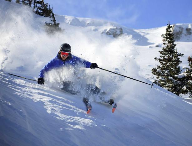 Jak można uzyskać odszkodowanie za utracony bagaż i sprzęt narciarski