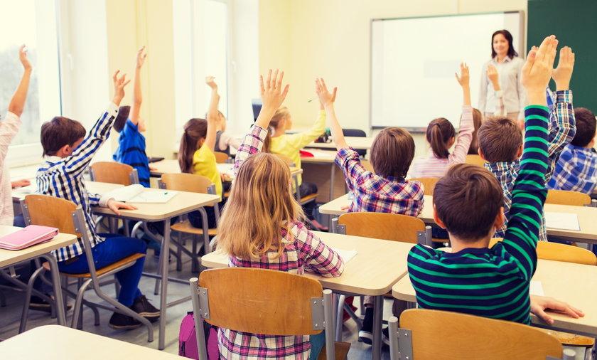 Obostrzenia po majówce. Data powrotu dzieci do szkół