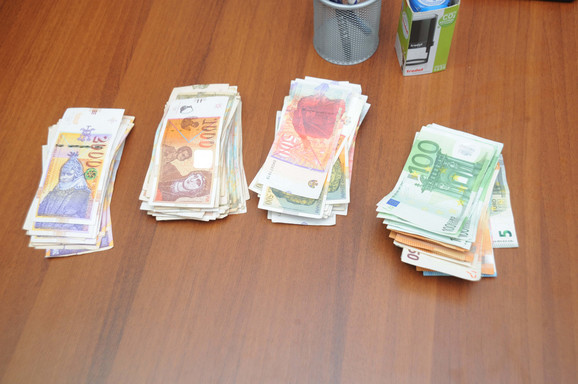 U policijskoj akciji zaplenjen novac