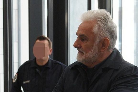 """KO JE BIO VESELIN VUKOTIĆ Otac vođe """"škaljaraca"""" je držao KLADIONICE I RESTORANE, a poslove je vodio sa sinom"""