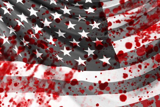 Flaga amerykańska we krwi