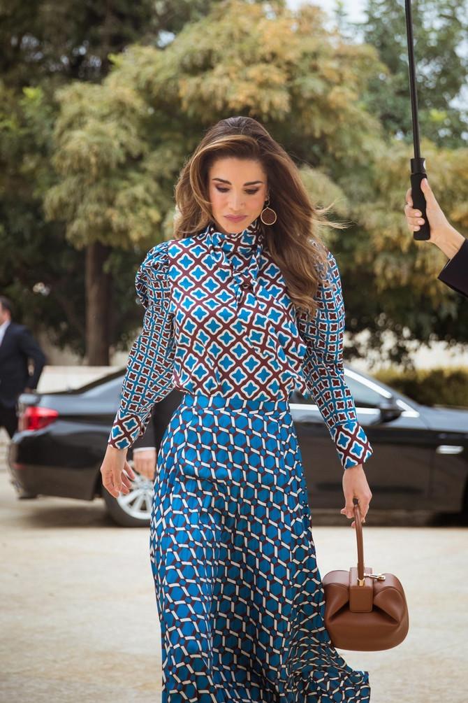 Jordanska kraljica Ranija u jeftinoj kombinaciji