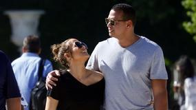 Jennifer Lopez z partnerem w Paryżu. Ale oni się kochają!