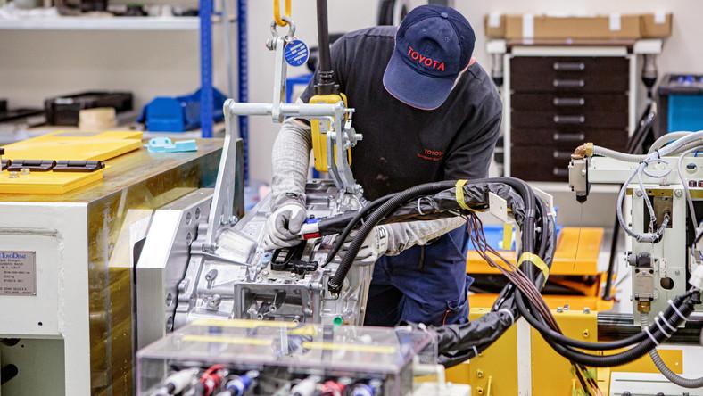 Hala testowania przekładni hybrydowych Toyoty